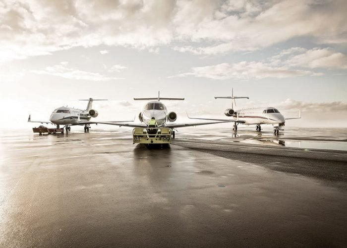 https://www.gamaaviation.com/wp-content/uploads/2017/10/Aircraft-Charter-Brokers-700x500.jpg