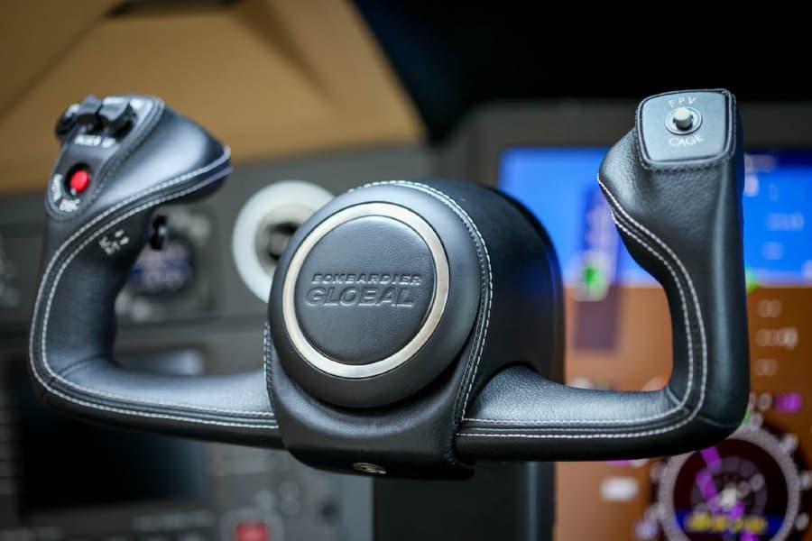 Global 6000 steering column