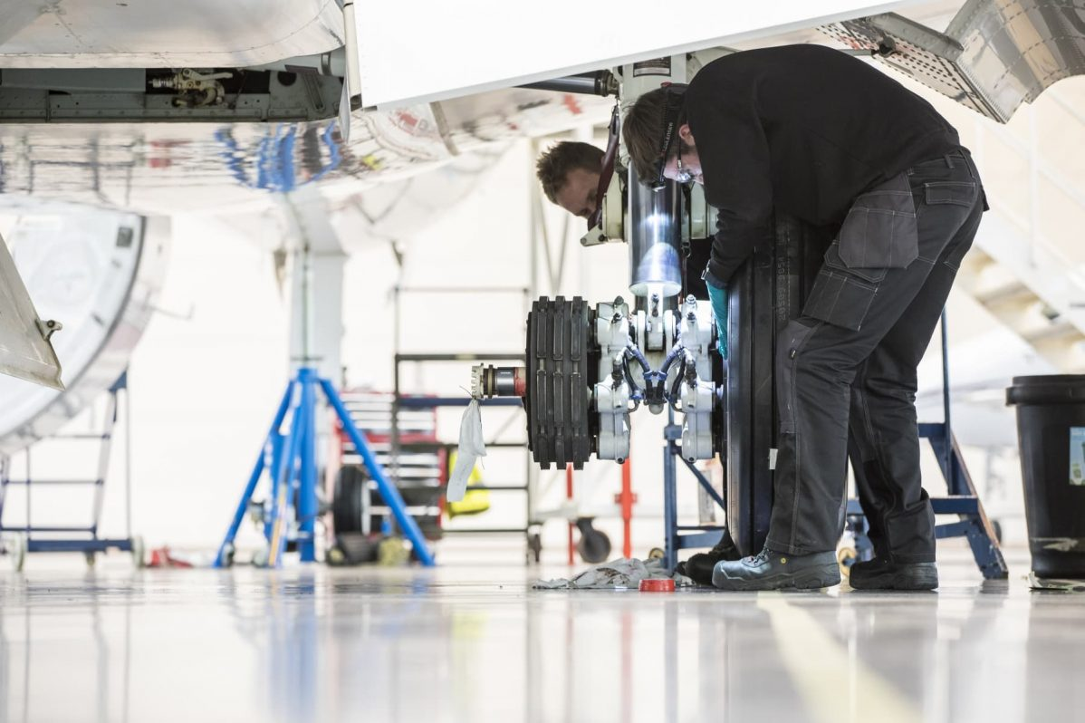 Bombardier aircraft maintenance
