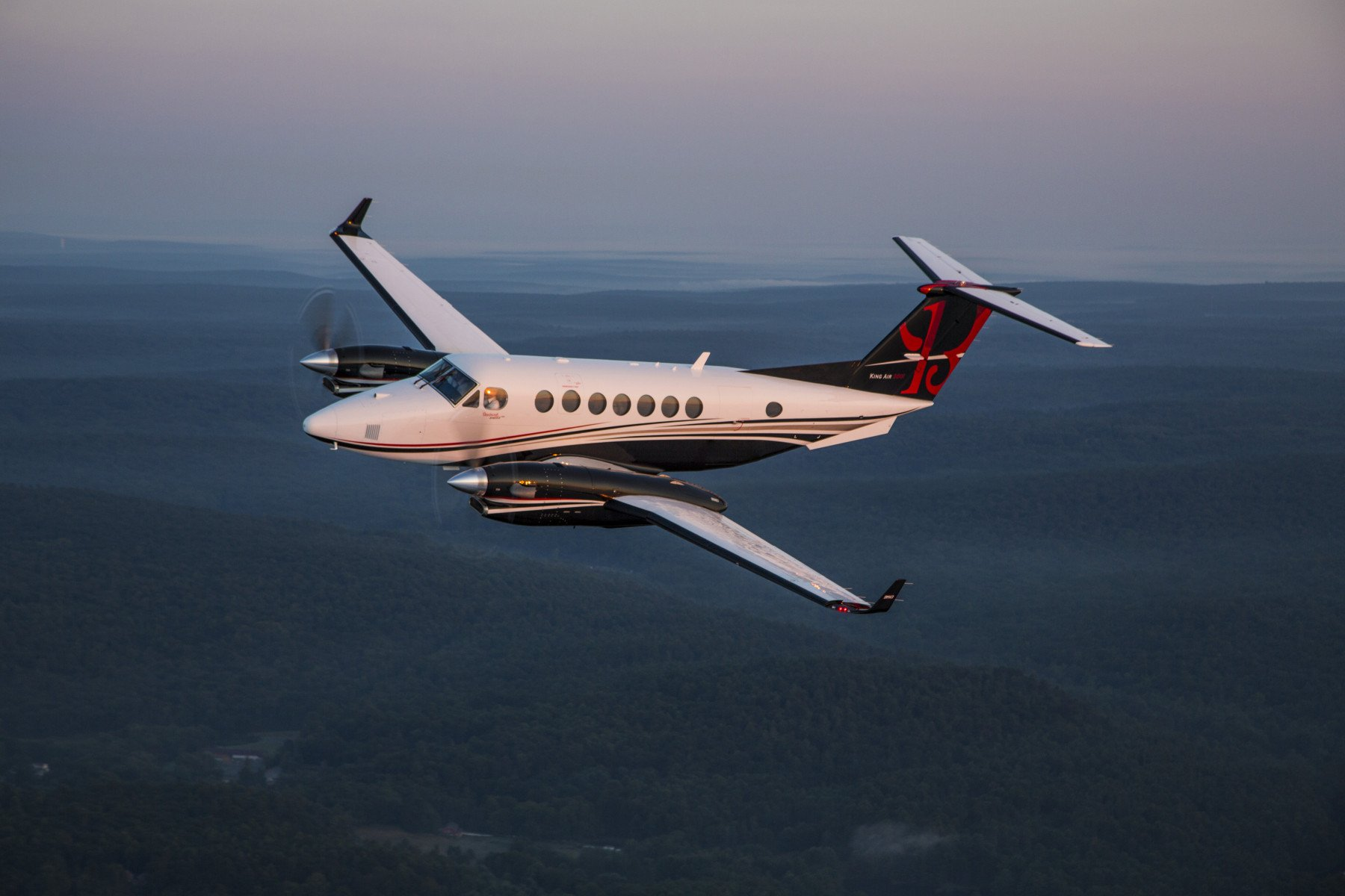 Beechcraft King Air 300 series