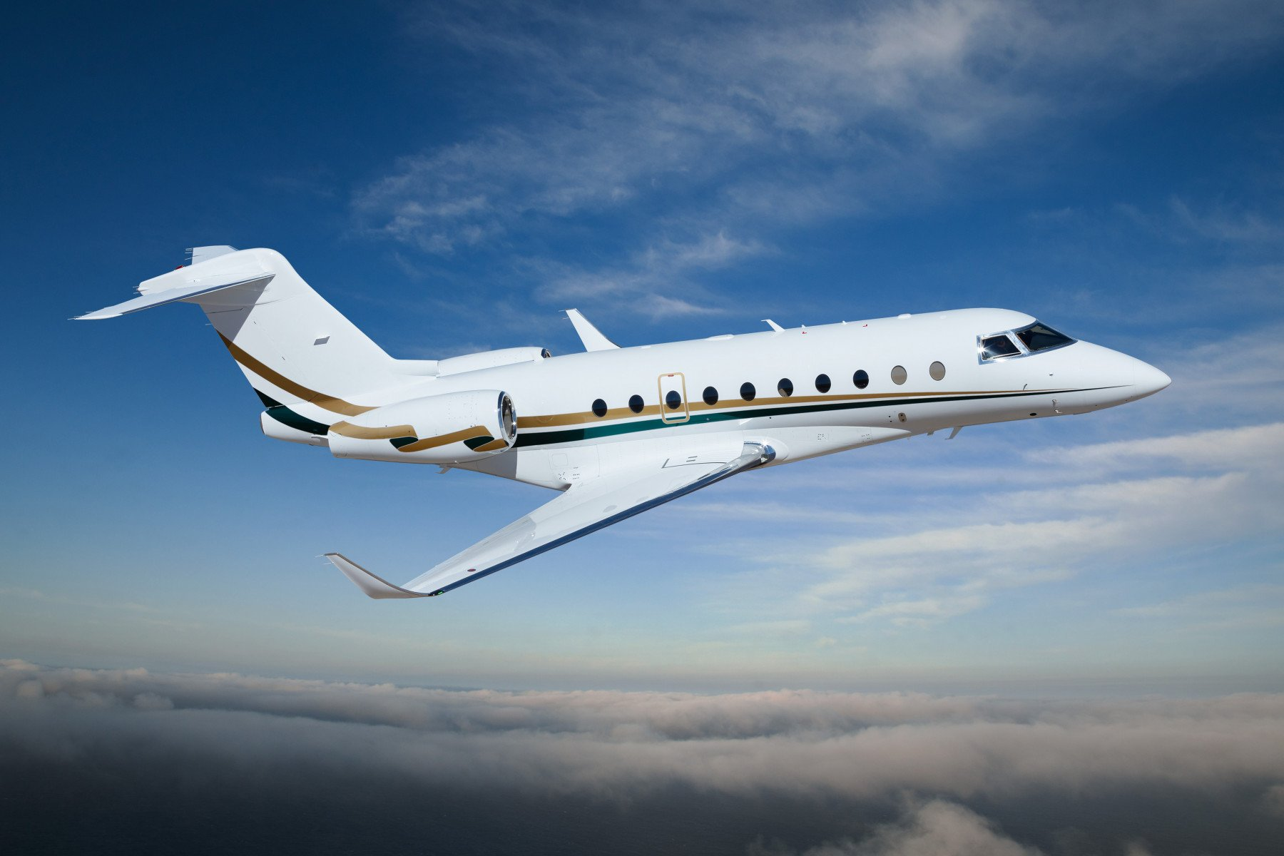 First UK based G280 available for charter.